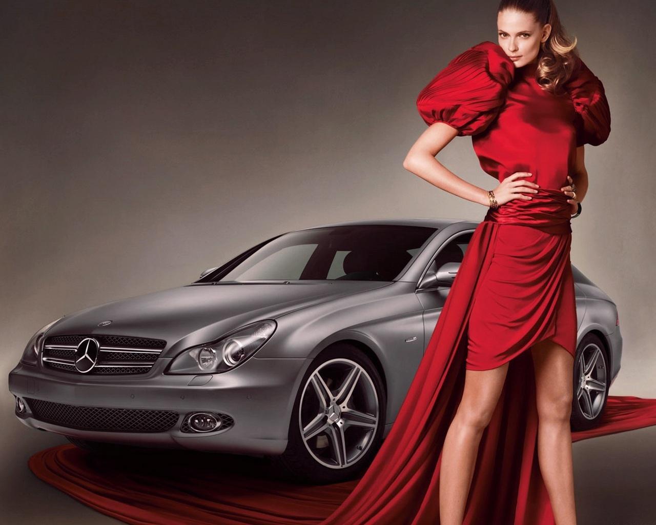 Фото девушек в рекламе машин — pic 5